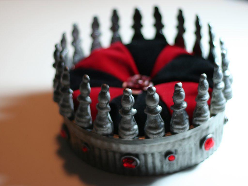 queen of hearts crown
